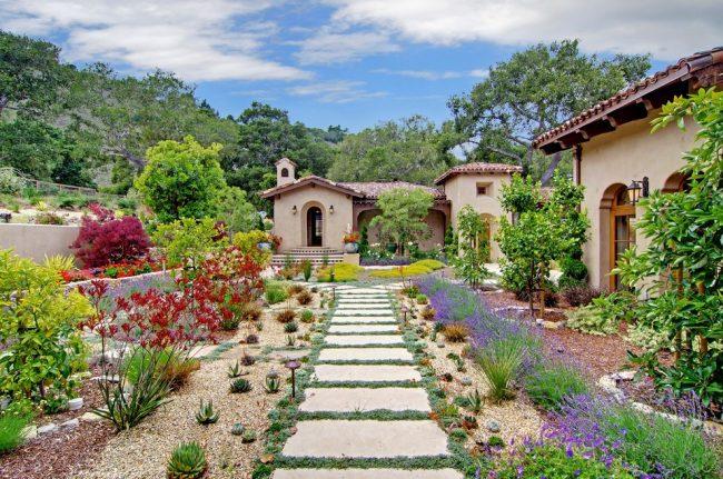 Красивый сад станет любимым местом отдыха для всей вашей семьи