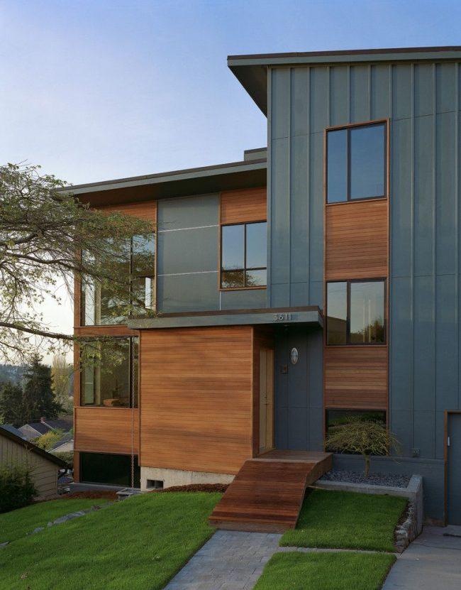 Двухэтажный дом из бруса в современном стиле
