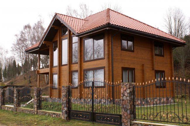Жилой дом из профилированного бруса с мансардой