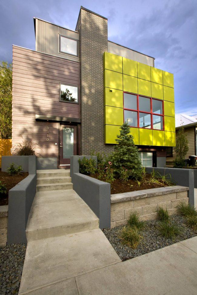 Великолепный яркий дом в современном стиле