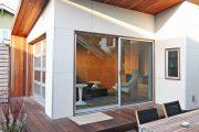Фото 18 Фасадные панели для наружной отделки дома: разновидности и 80 практичных решений для стильного экстерьера