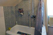 Фото 28 Угловой карниз для ванны: особенности выбора и 75+ функциональных и стильных воплощений