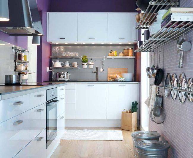Нежное сочетание серо-сиреневого и белого цветов в серии Абстракт от IKEA