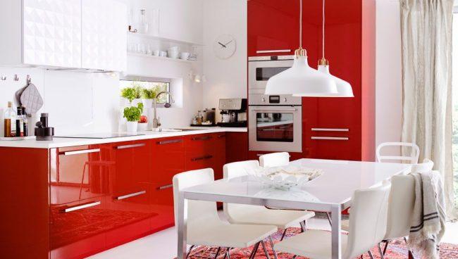 Яркая кухня IKEA серии Рингульт
