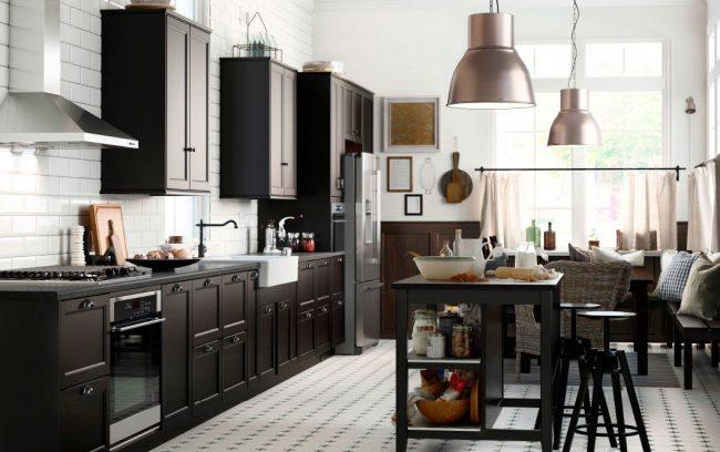 Черная мебель на кухне серии Даларна