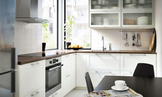 Г-образная кухня IKEA Метод