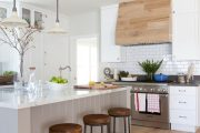Фото 17 Кухни в стиле кантри и прованс: 85 элегантных и теплых решений для ценителей уюта