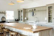 Фото 29 Кухни в стиле кантри и прованс: 85 элегантных и теплых решений для ценителей уюта