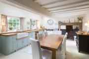 Фото 33 Кухни в стиле кантри и прованс: 115+ элегантных и теплых решений для ценителей уюта
