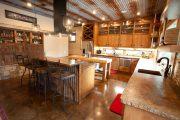 Фото 40 Кухни в стиле кантри и прованс: 85 элегантных и теплых решений для ценителей уюта