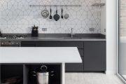 Фото 2 Кухня в скандинавском стиле: 80 интерьеров для тех, кто предпочитает минимализм и бескомпромиссный комфорт