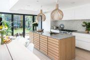 Фото 23 Кухня в скандинавском стиле: 80 интерьеров для тех, кто предпочитает минимализм и бескомпромиссный комфорт