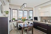 Фото 9 Объединение балкона с кухней: этапы перепланировки и 70 наиболее комфортных реализаций