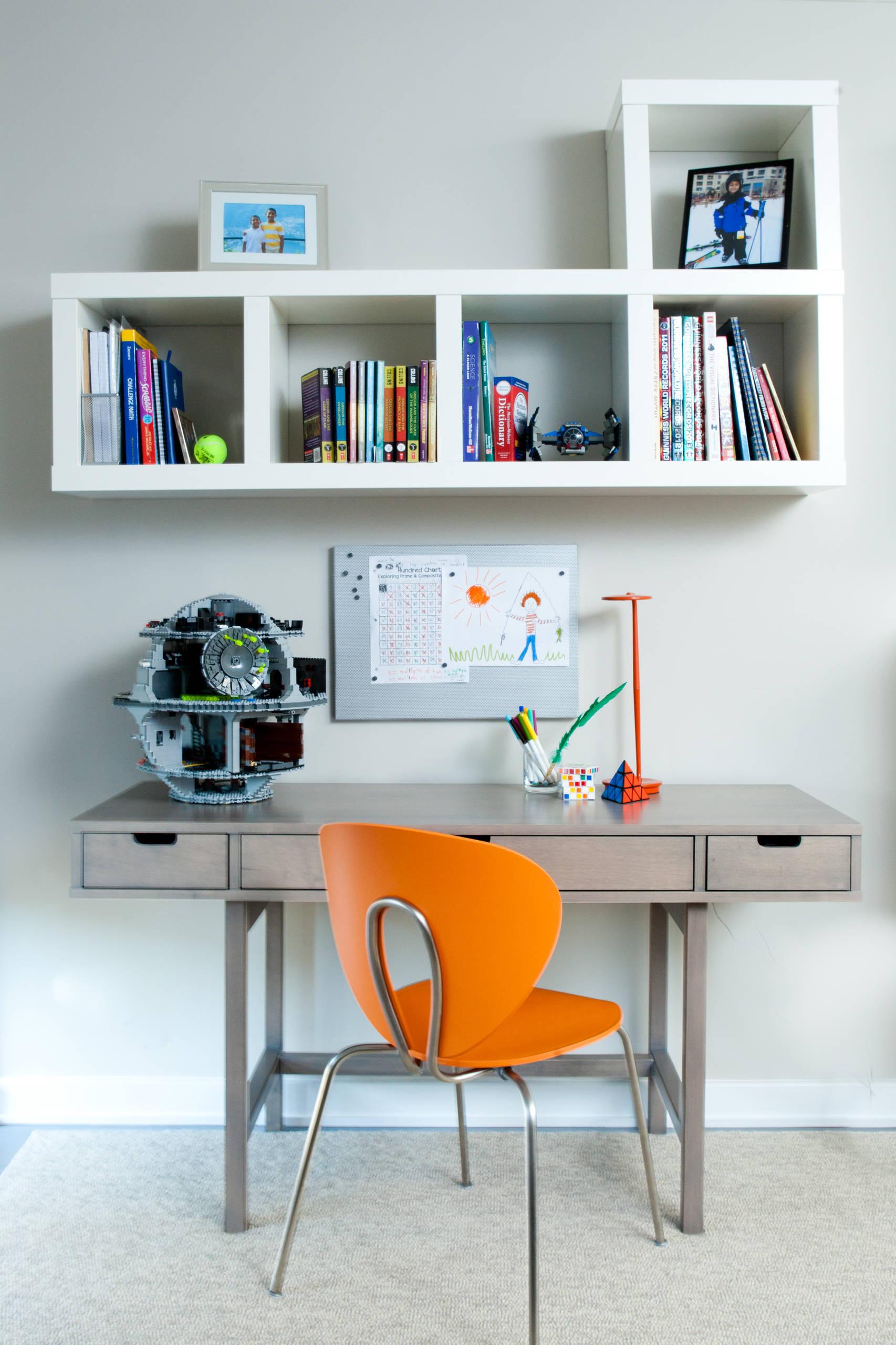 Письменный стол для школьника: 75 лучших фото и советы по вы.