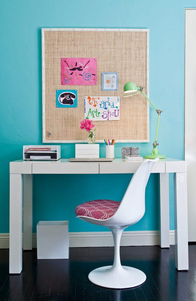 Удобный стул сделает процесс обучения за столом комфортнее