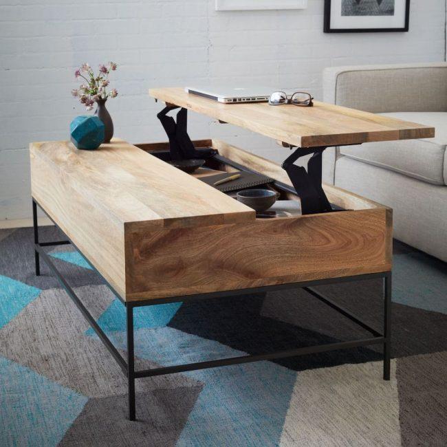 Удобный журнальный столик-трансформер