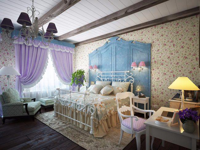 Обои с мелкими цветами в спальне стиля прованс