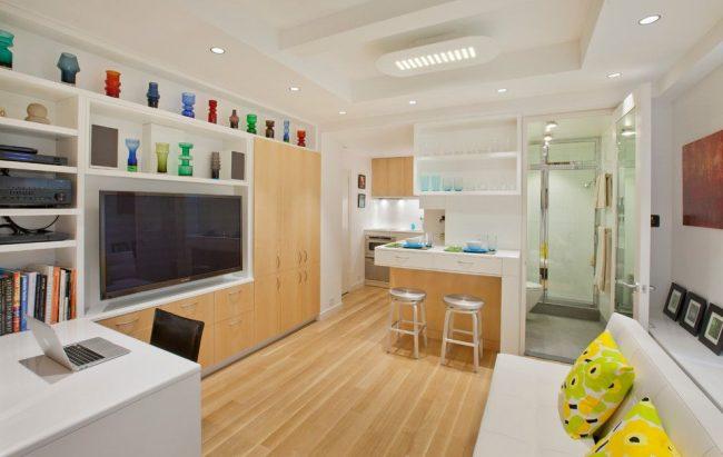 Подвесной потолок визуально увеличит высоту комнаты