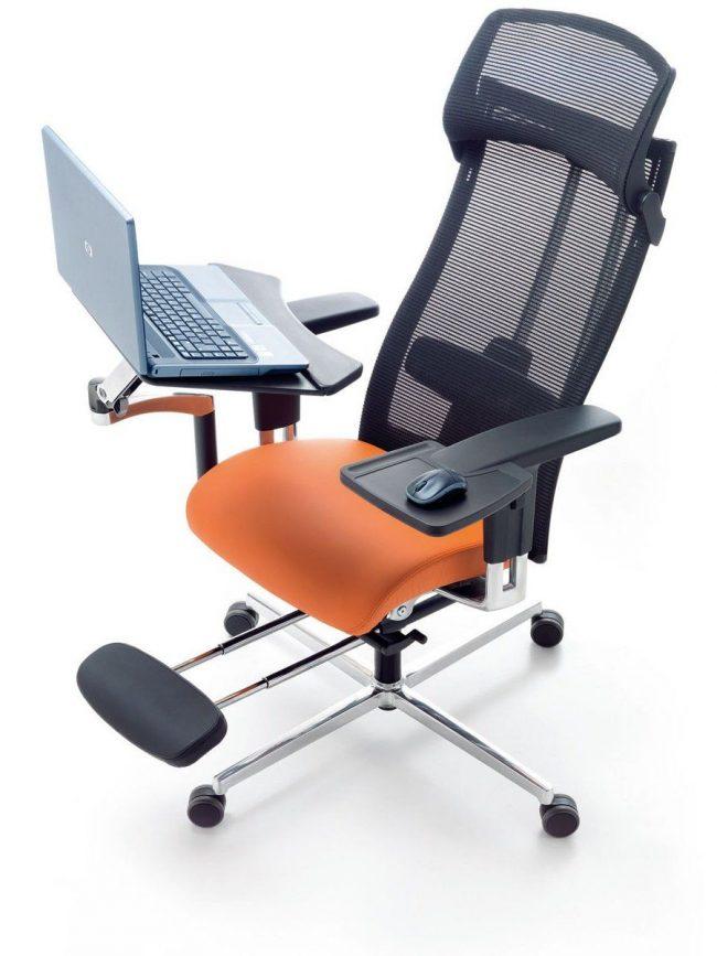 Ортопедическое кресло с подставкой под ноутбук