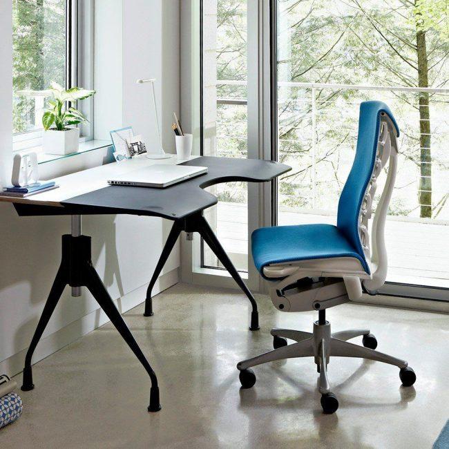 Ортопедическое кресло с правильным изгибом спинки