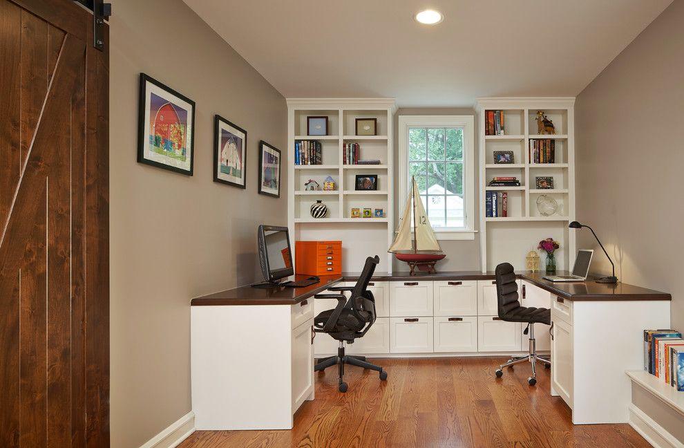 Письменный стол для детской комнаты - 33 фото идеи.