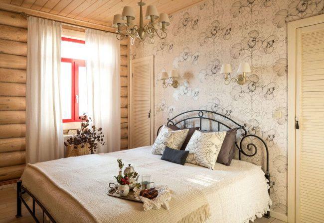 Блокхаус в оформлении спальни