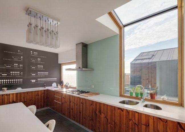 Обшивка кухни частного дома гипсокартоном