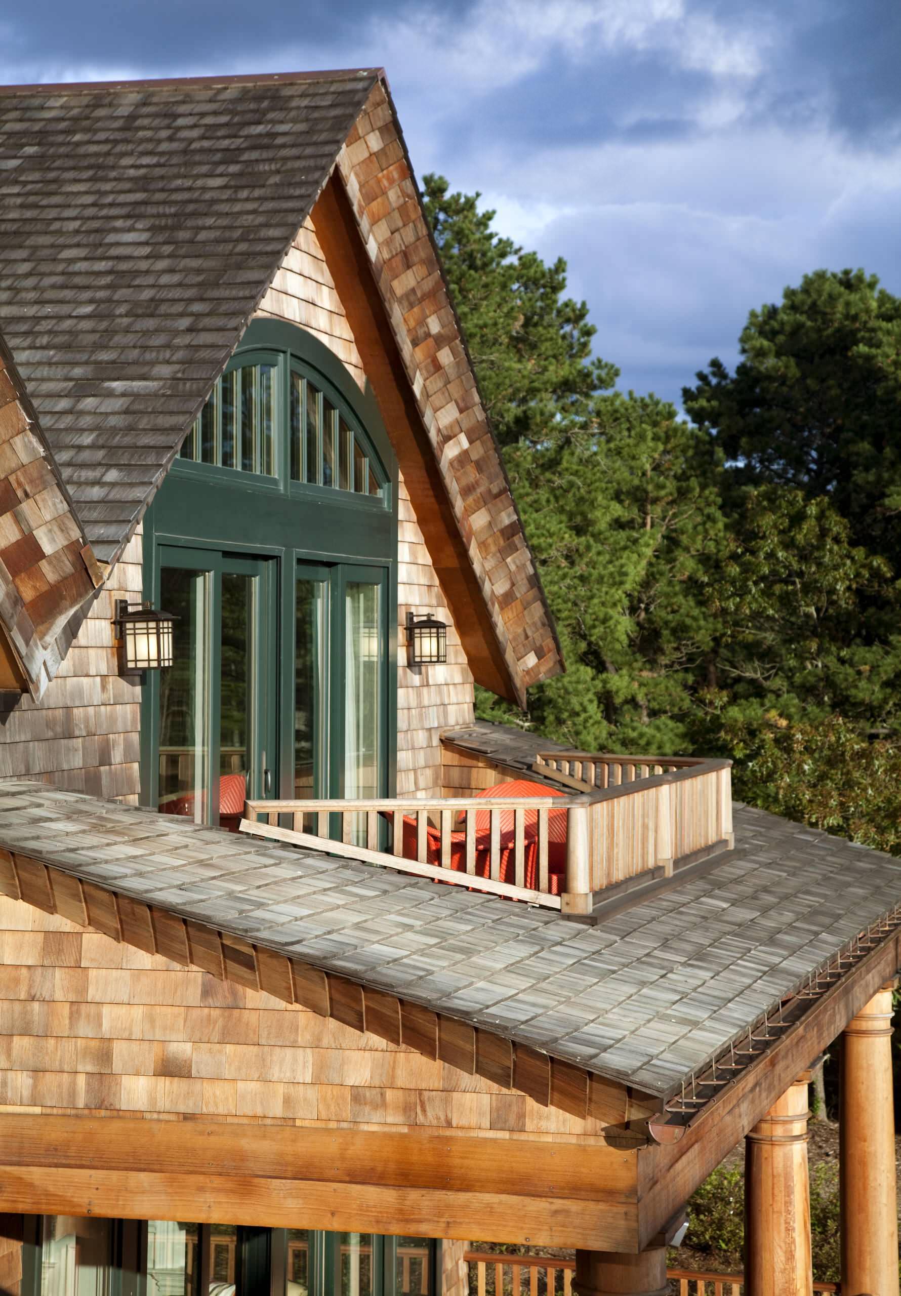 Строительство балкона в частном доме
