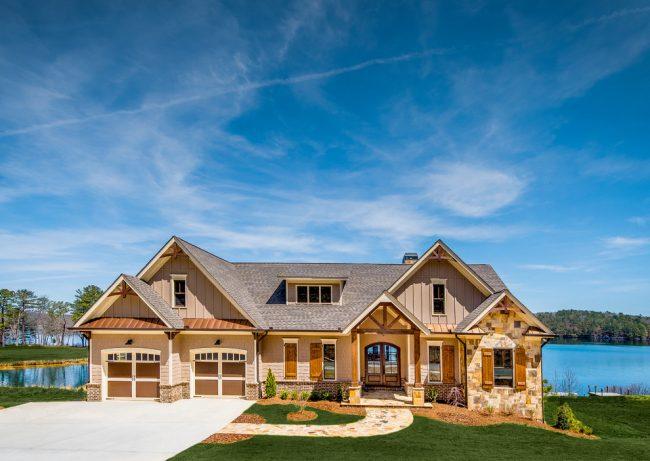 Просторный одноэтажный дом с великолепным видом на озеро