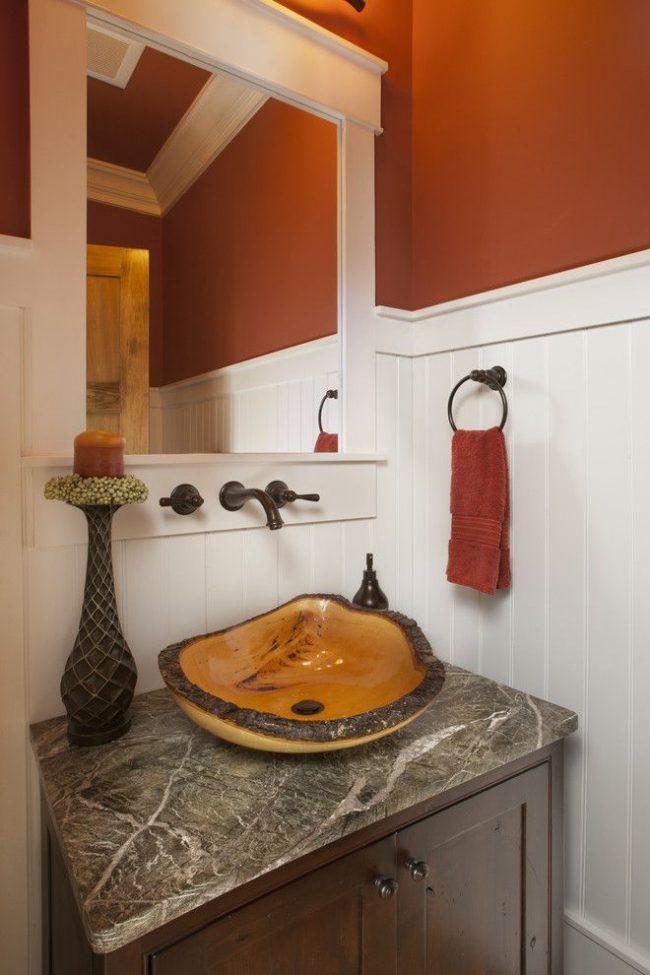 Ванная комната с раковиной нестандартной формы