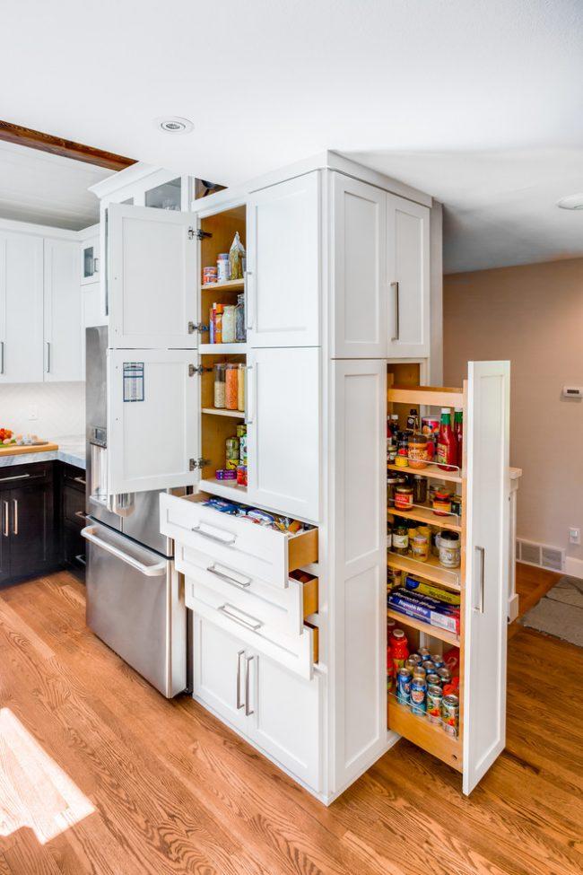 Кухонный шкаф с прекрасно распланированной системой хранения