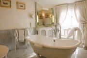Фото 44 Ванная комната в стиле прованс: 80+ элегантных идей и обзор лучших интерьерных тенденций