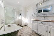 Фото 14 Ванная комната в стиле прованс: 80+ элегантных идей и обзор лучших интерьерных тенденций