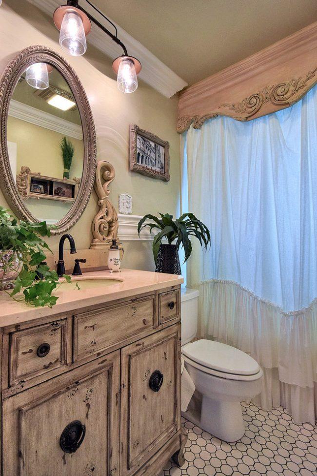 Черный кран добавит контраста вашей ванной комнате