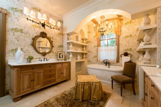 Ванная комната в стиле прованс: с помощью красивых элементов декора интерьер может стать просто неотразимым
