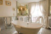 Фото 28 Ванная комната в стиле прованс: 80+ элегантных идей и обзор лучших интерьерных тенденций