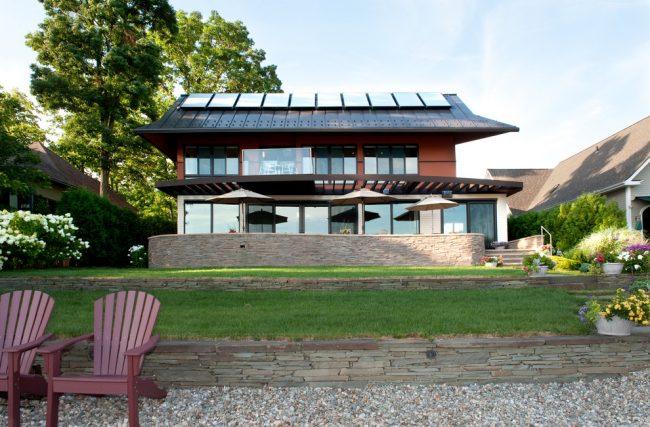 Солнечный водонагреватель поможет получить горячую воду путём поглощения солнечного излучения