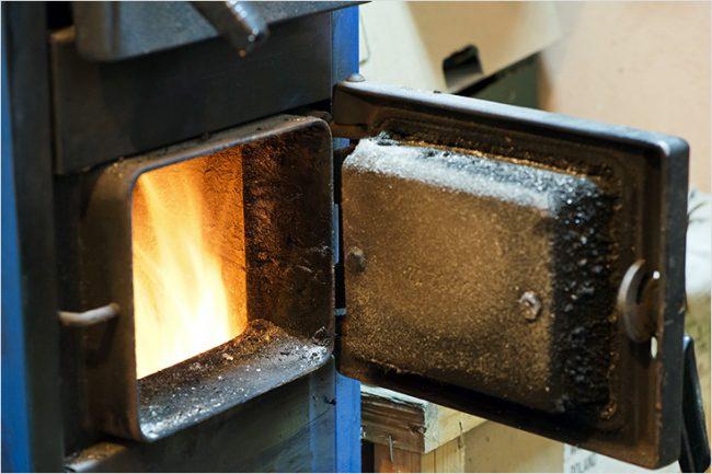 Угольное отопление очень востребовано в частных секторах, где нет газового обеспечения