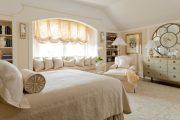 Фото 1 Занавески в спальню: обзор трендовых новинок и 85+ эстетически совершенных идей для комнаты