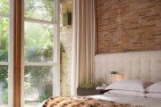 Фото 34 Занавески в спальню: обзор трендовых новинок и 85+ эстетически совершенных идей для комнаты