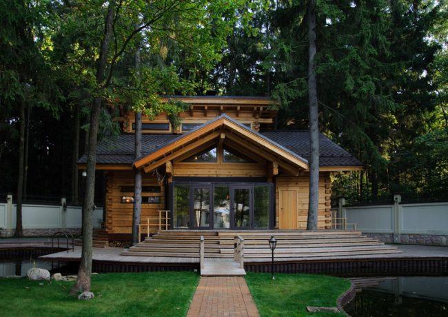 Уютный и компактный лесной домик, с наличием бани, для приятного отдыха