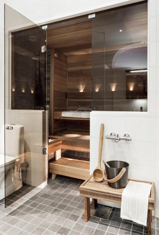 Проект бани с домом под одной крышей: банная парилка в стиле модерн, находящаяся в ванной комнате жилого дома