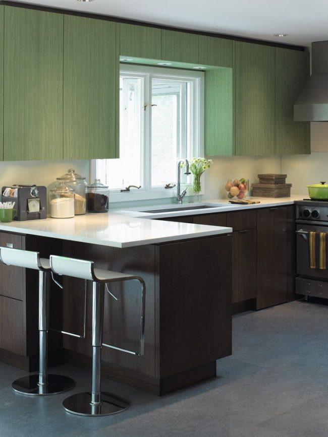 Кухонный гарнитур, объединенный с барной стойкой – угловая модель конструкции