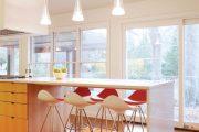 Фото 30 Барная стойка для кухни: материалы, особенности освещения и 75 элегантных интерьерных воплощений