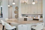 Фото 32 Барная стойка для кухни: материалы, особенности освещения и 75 элегантных интерьерных воплощений