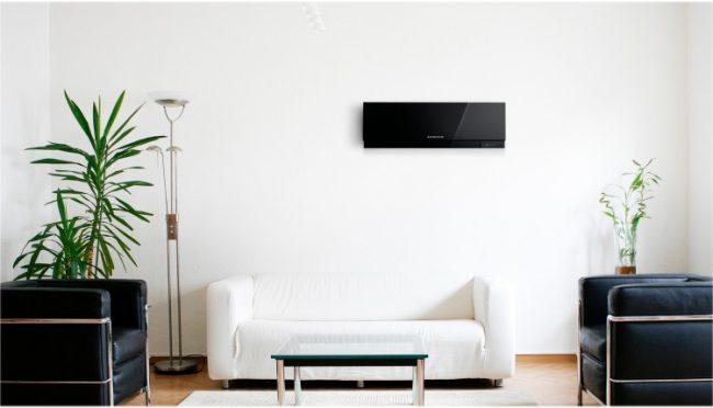 """Какой кондиционер лучше выбрать для квартиры: инверторная сплит-система, имеющая такие функции как самоочистка, самодиагностика, ночной режим. """"теплый"""" пуск и многие другие"""