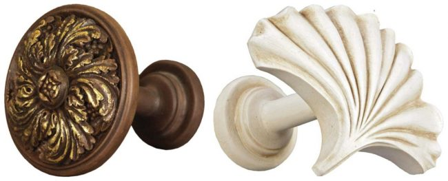 Для тяжелых штор в классической обстановке лучше сразу выбирать и подхваты - из одной коллекции с наконечниками карнизов или просто схожие по стилю