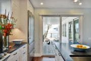 Фото 18 Дизайн кухни площадью 6 кв. м с холодильником: как оптимизировать пространство и 70 функциональных идей