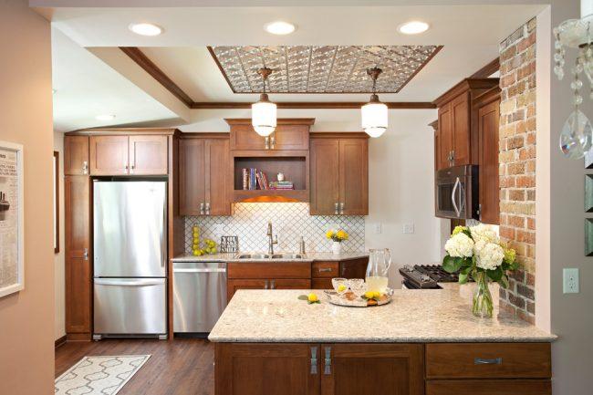 Кухонная мебель из дерева всегда будет смотреться стильно, модно, современно, а главное со вкусом