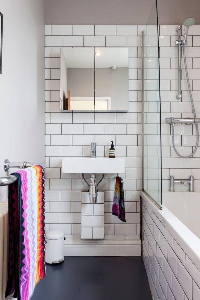Экономия пространства с помощью совмещения ванной и душевой
